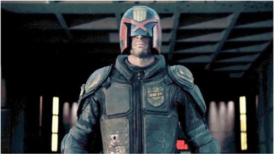 Karl Urban como el Juez Dredd